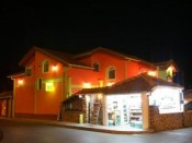 Hotel Ašikot by night