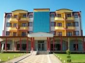 Хотел Нар