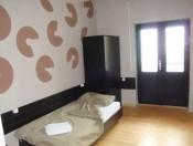 Еднокреветна соба