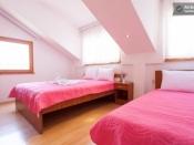 Соба со два кревета
