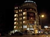 H Montenegrin am Abend