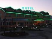 Hotel Exclusive bei Nacht